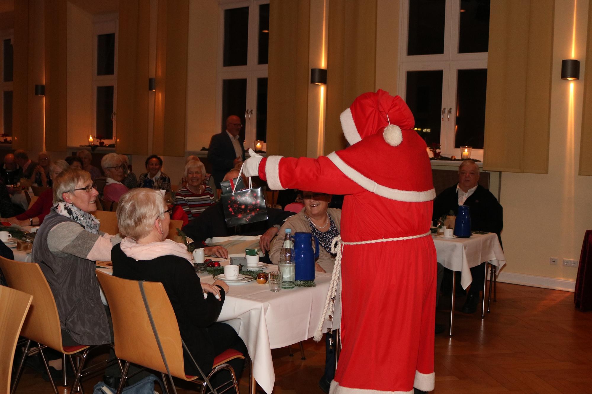 20191213 Senioren-Weihnachtsbacken Gemeinde Leck 27