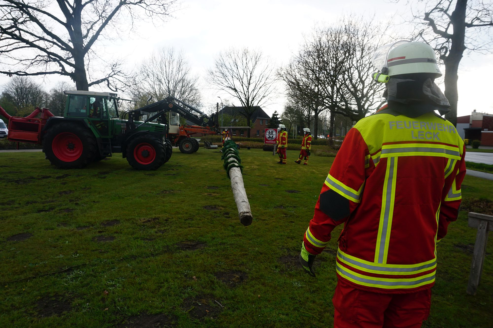 2021 Maibaum Feuerwehr Leck 10 Bildrecht Michael Bruch