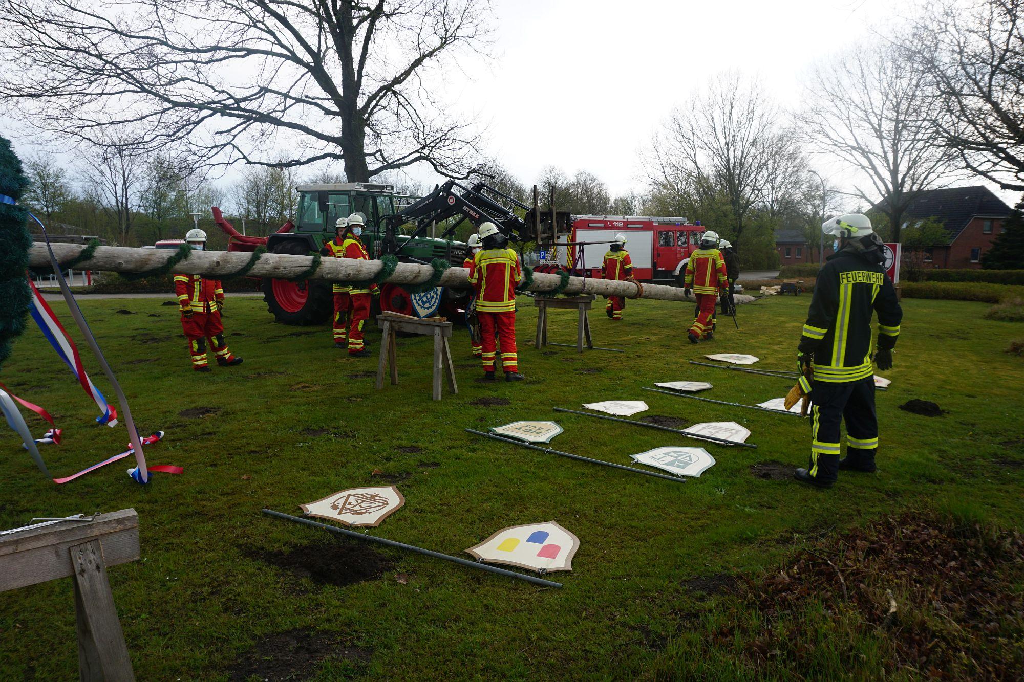 2021 Maibaum Feuerwehr Leck 12 Bildrecht Michael Bruch