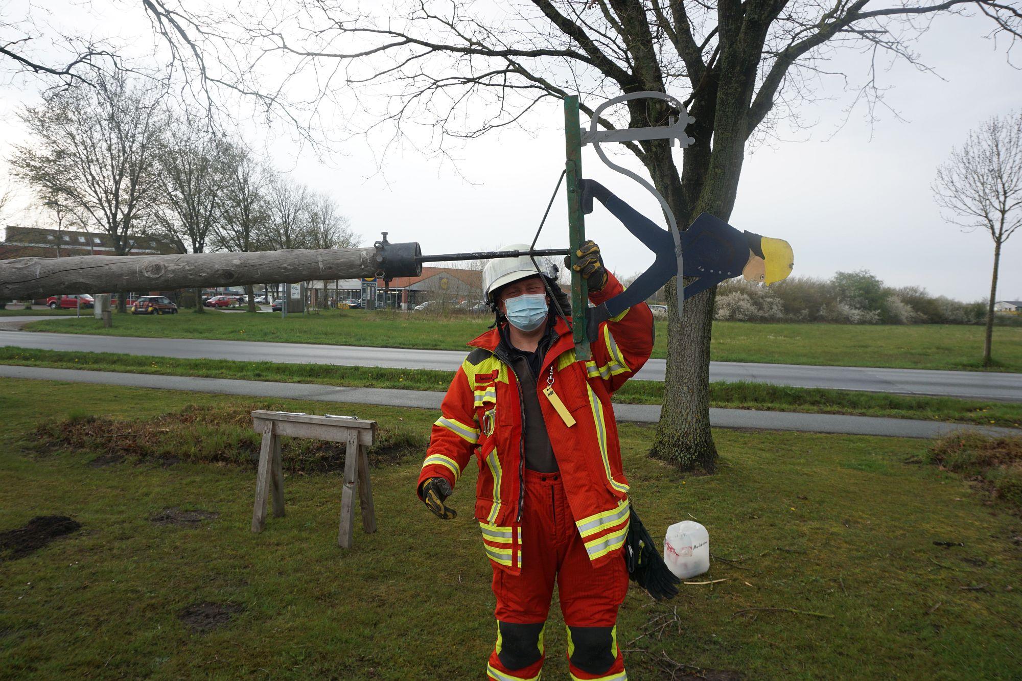 2021 Maibaum Feuerwehr Leck 14 Bildrecht Michael Bruch